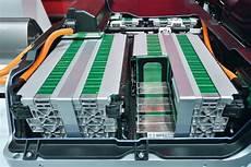 wissenswertes zur elektroauto batterie enomo de