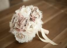 bouquet de fleurs en tissu wedding flower alternatives bridal bouquets from etsy