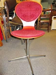 stuhl rot stuhl retro rot 01 tr 246 del oase 183 secondhand 183 m 246 bel 183 antik