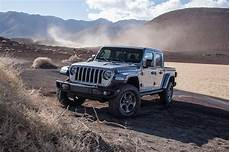 2020 jeep gladiator drive review it s outstanding
