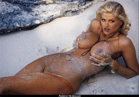 Anna Nicole Smith Nude