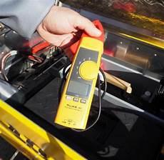 autobatterie wechseln wie oft adac pannenhelfer kommen jetzt mit dem fahrrad welt