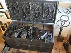 kurt gmeineder aus d 252 rnbach sammelt alte schl 246 sser und