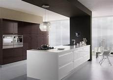 Hotte De Cuisine Design Hotte D 233 Corative Design Comme Un Point Focal Dans La Cuisine