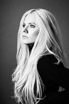 Avril Lavigne 2018 - above water avril lavigne is back thereviewsarein