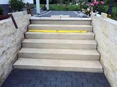 beton ausbessern aussen treppe aussen haus eingang podest