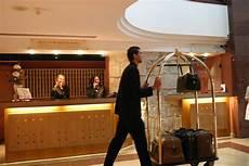 le bagagiste manon lyc 233 e hotelier