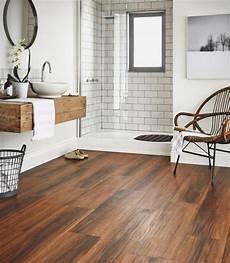Badezimmer Fliesen Holz - 20 amazing bathrooms with wood like tile wood floor