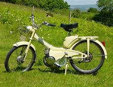 mobylette motobecane ancienne ancienne mobylette motob 233 a restaurer
