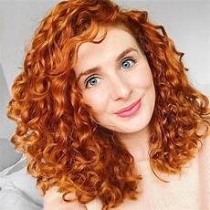 30 gorgeous medium length curly hairstyles for in 2018