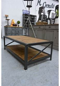 fabriquer table basse style industriel table basse industrielle en 2019 table basse