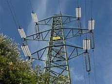 traliccio alta tensione traliccio ad alta tensione energetica pilone elettrico
