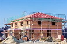 haus bauen material haus bauen so reduzieren sie die kosten haushaltsgeld net