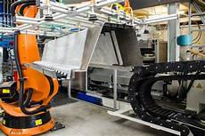 kunststoff metall hybrid in serie k zeitung