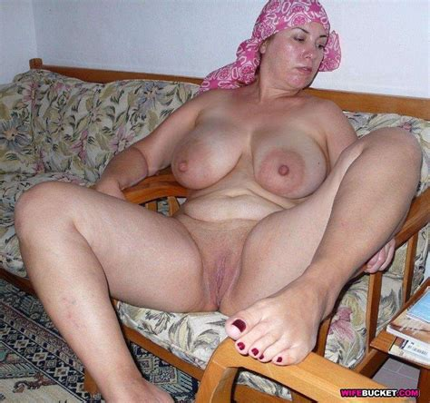 Mature Wife Nude