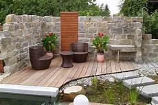 steinmauer garten sichtschutz steinmauer garten sichtschutz gartenmauer mit sitzecke design