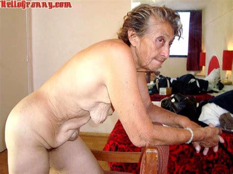 Ashley Alexiss Nude