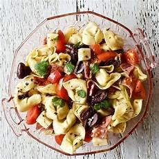 Tortellini Salat Rezept - tortellini salad with pepperoni food junkie