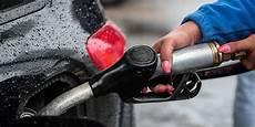 Carburant Une Station Essence Quot Low Cost Quot Sur L Autoroute A6