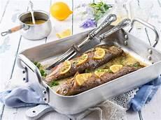 fisch aus dem ofen fisch ged 252 nstet bis knusprig besserhaushalten