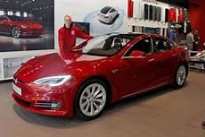 tesla model s facelift tesla model s facelift 2016 im test sitzprobe preis autobild de