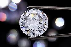 brilliant what gives diamonds their smashing sparkle