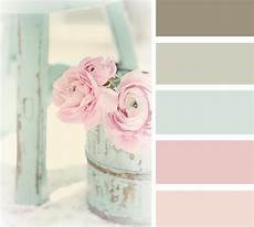 shabby chic farbe shabby chic wallpaper aged to perfection