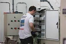 offre d emploi chef de chantier en installations electriques