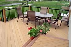 pavimenti in legno per giardini pavimenti in legno per giardini mattonelle e decking