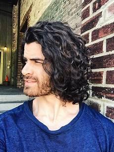 Lange Lockige Haare Frisuren Manner Beliebte