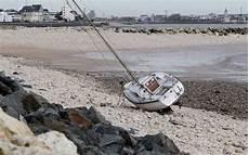 la rochelle le bateau de plaisance 233 chou 233 a 233 t 233 mis en