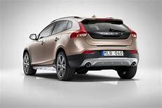 v40 cross country in4ride volvo v40 cross country revealed confirmed for