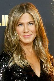 every single hairstyle aniston has had