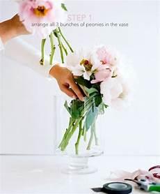 beautiful diy bridal peony bouquet weddingomania