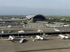 lyon parking aeroport a 233 roport de lyon un nouveau parking p3 en 2020 air journal