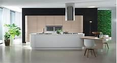 cuisine moderne blanche et bois cuisine moderne blanc mat et bois avec 238 lot