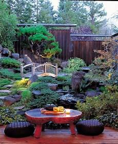 17 Peaceful Green Japanese Style Backyards