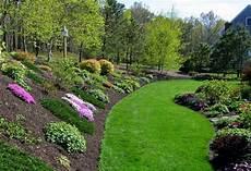 steilen hang bepflanzen landscaping ideas backyard with hill