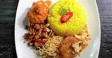 Resep Nasi Kuning Komplit Oleh Dyah Ayu R Cookpad