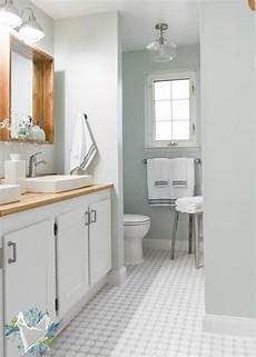 the best coastal blue paint colors for the bathroom