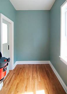 the color stratton blue by benjamin and we had it