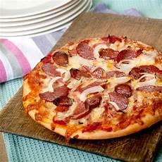pizza au barbecue weber weber gourmet barbecue system pizza gbs