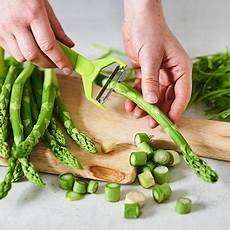 grünen spargel schälen one pot pasta mit italienischen kr 228 utern und gr 252 nem