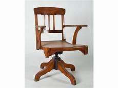 stella fauteuil de bureau pivotant en h 234 tre reposant sur