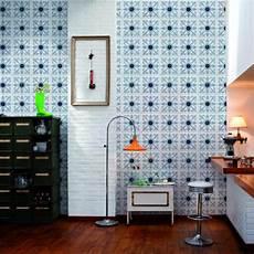 papier peint carreaux de ciment 4 murs le motif carreaux de ciment dans l int 233 rieur archzine fr