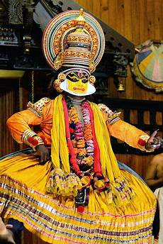 know all about kerala traditional know about kathakali a classical traditional dance