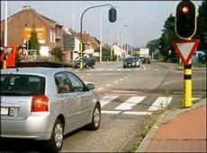 192 l arr 202 t stationner panneaux de signalisation permis