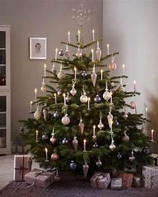 festlich wir dekorieren den christbaum oh tannenbaum