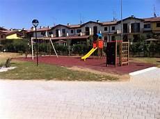 pavimento parco giochi parco giochi barrito park 7