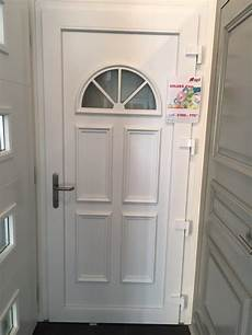 porte d entrée blanche porte d entr 233 e pvc blanche apf menuiserie sa